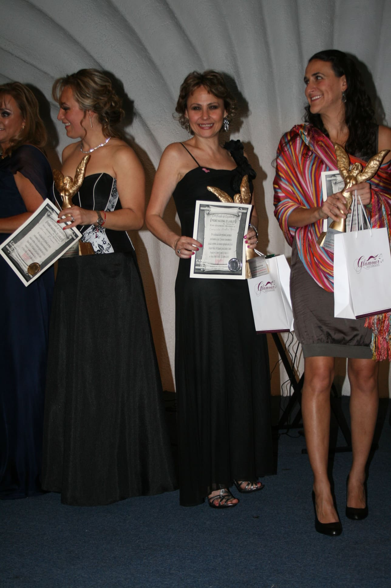 Premio Nacional a la Mujer 2012